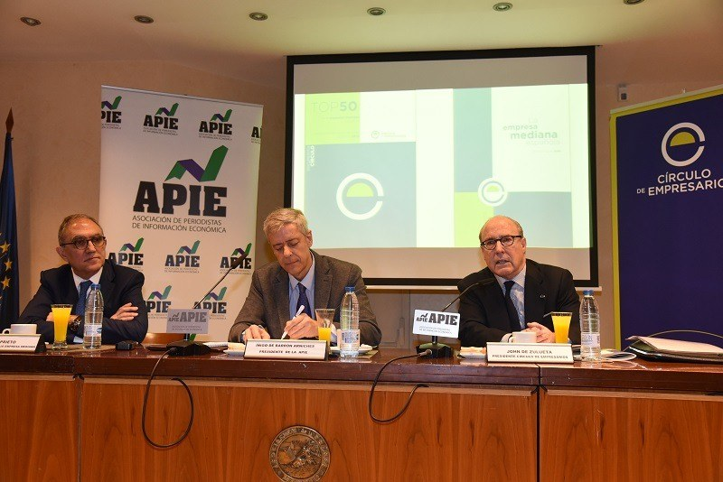 Left to right. Jesús Prieto Director of the Spanish Medium-Sized Business Project and president of CT Ingenieros, Íñigo de Barrón, President of APIE and , and John de Zulueta President of the Círculo de Empresarios